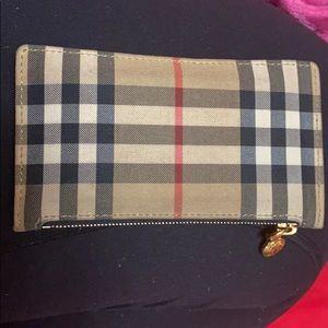 Burberry card holder zip - 100% authentic